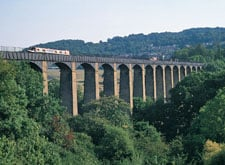 Pontcysyllte-Viaduct-walks in Llangollen-Round,