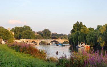 Walking Thames Path - Richmond
