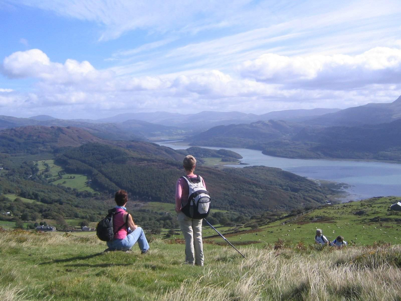 2 women over mawddach