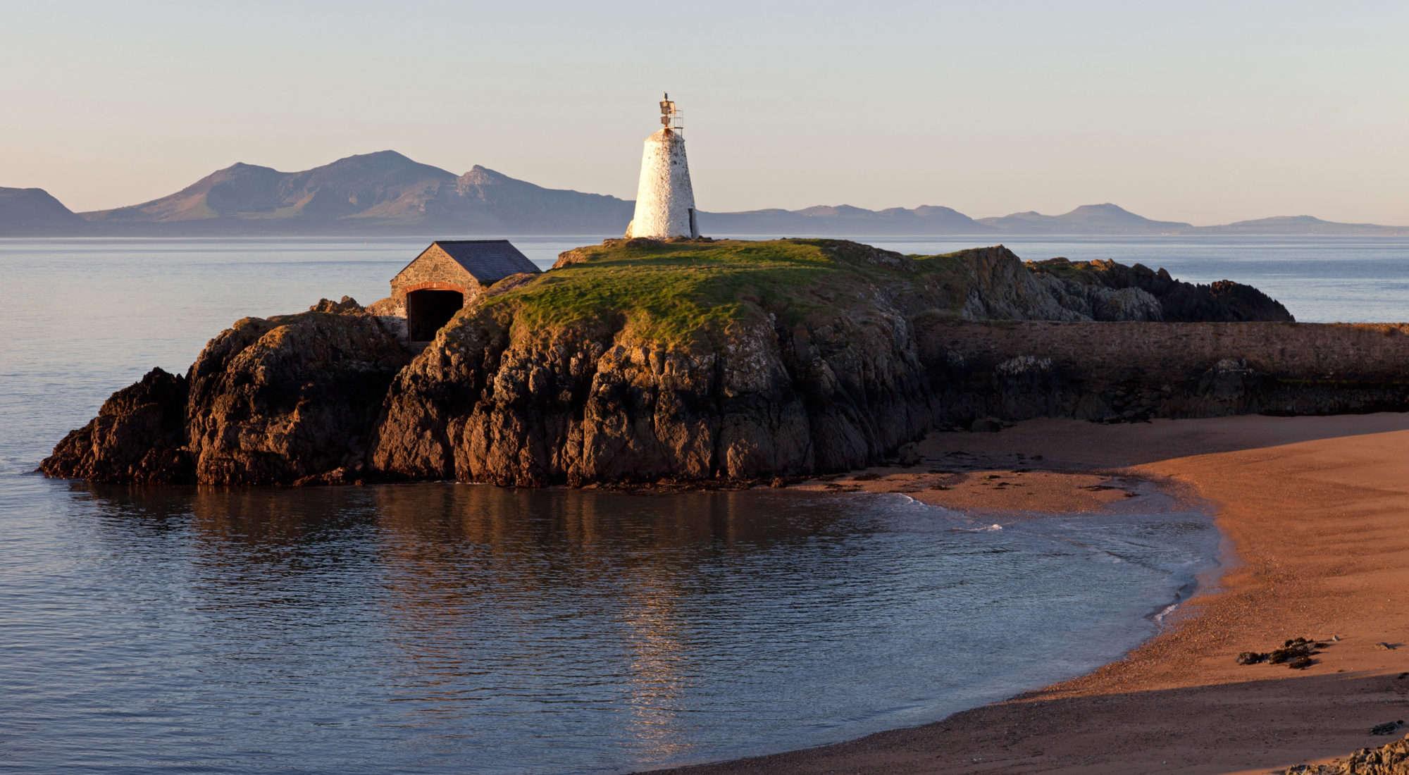 Anglesey Coast Wild 30