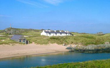 Ynys Llanddwyn-Anglesey-Coast-Path