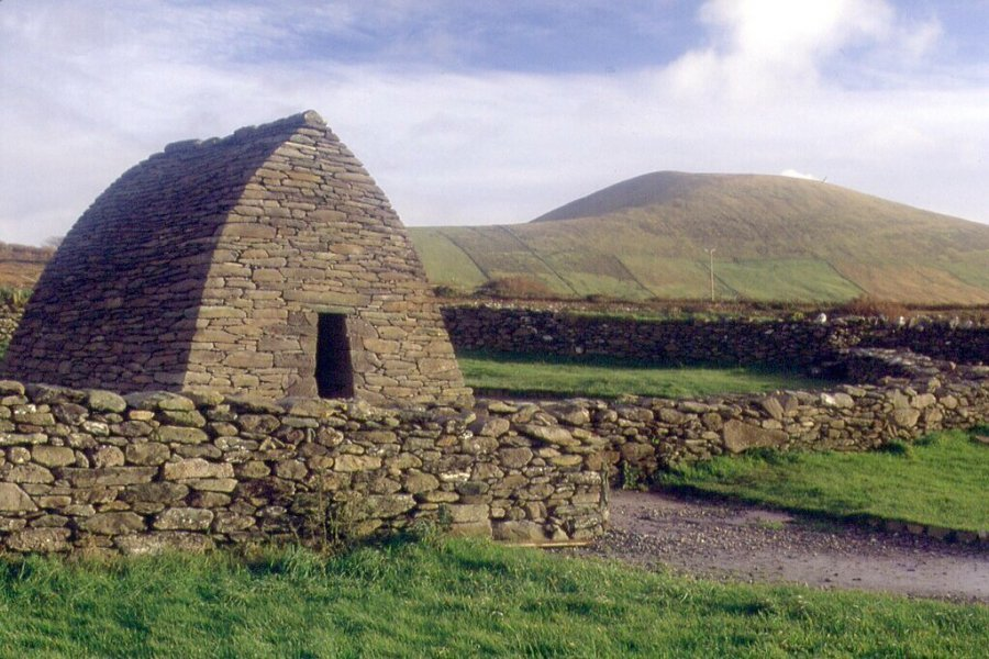 Oratory-Gallarus-Dingle-Way