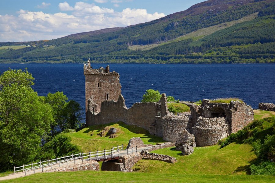 Urquhart-Castle-Great-Glen-Way