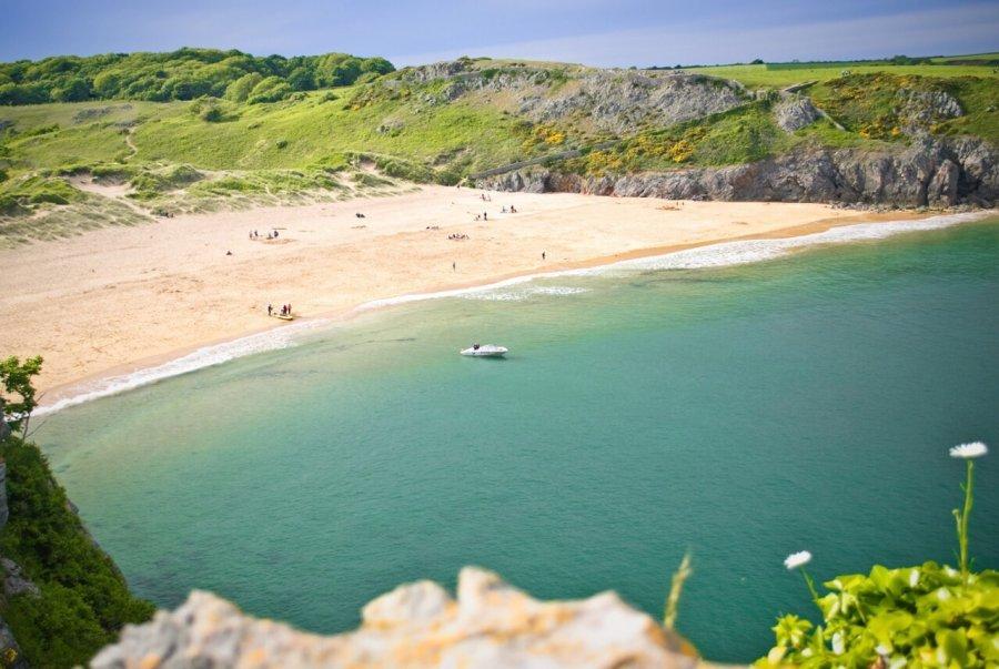 Barfundle-Pembrokeshire-Coast-Path