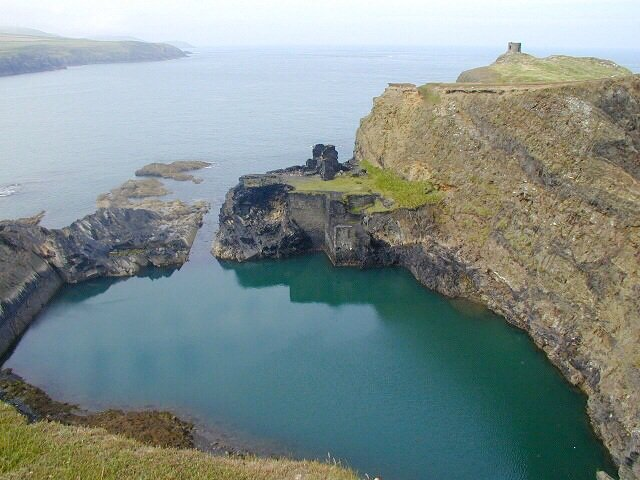 Blue-Lagoon-Pembrokeshire-Coast-Path