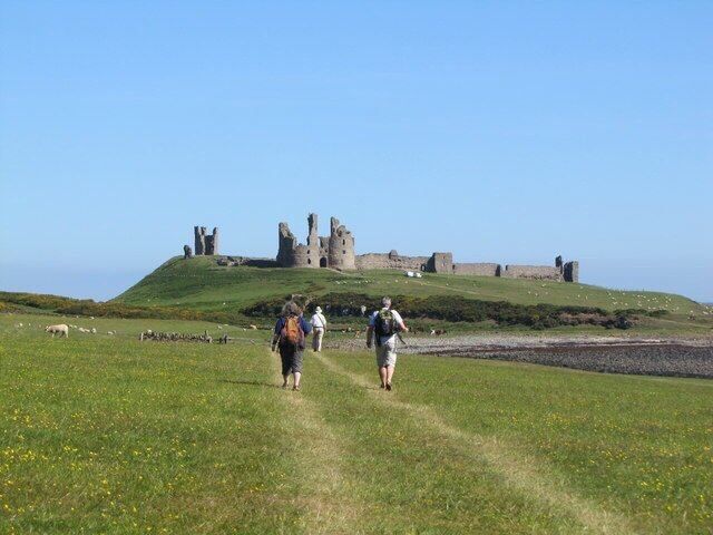 Approaching-Dunstanburgh-St-Oswalds-Way