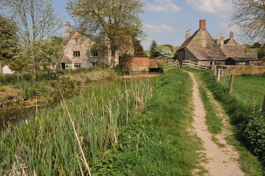 Ashton-Keynes-Thames-Path