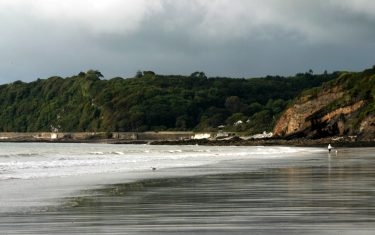 Image of shoreline at Amroth, Cardigan Bay, Wales
