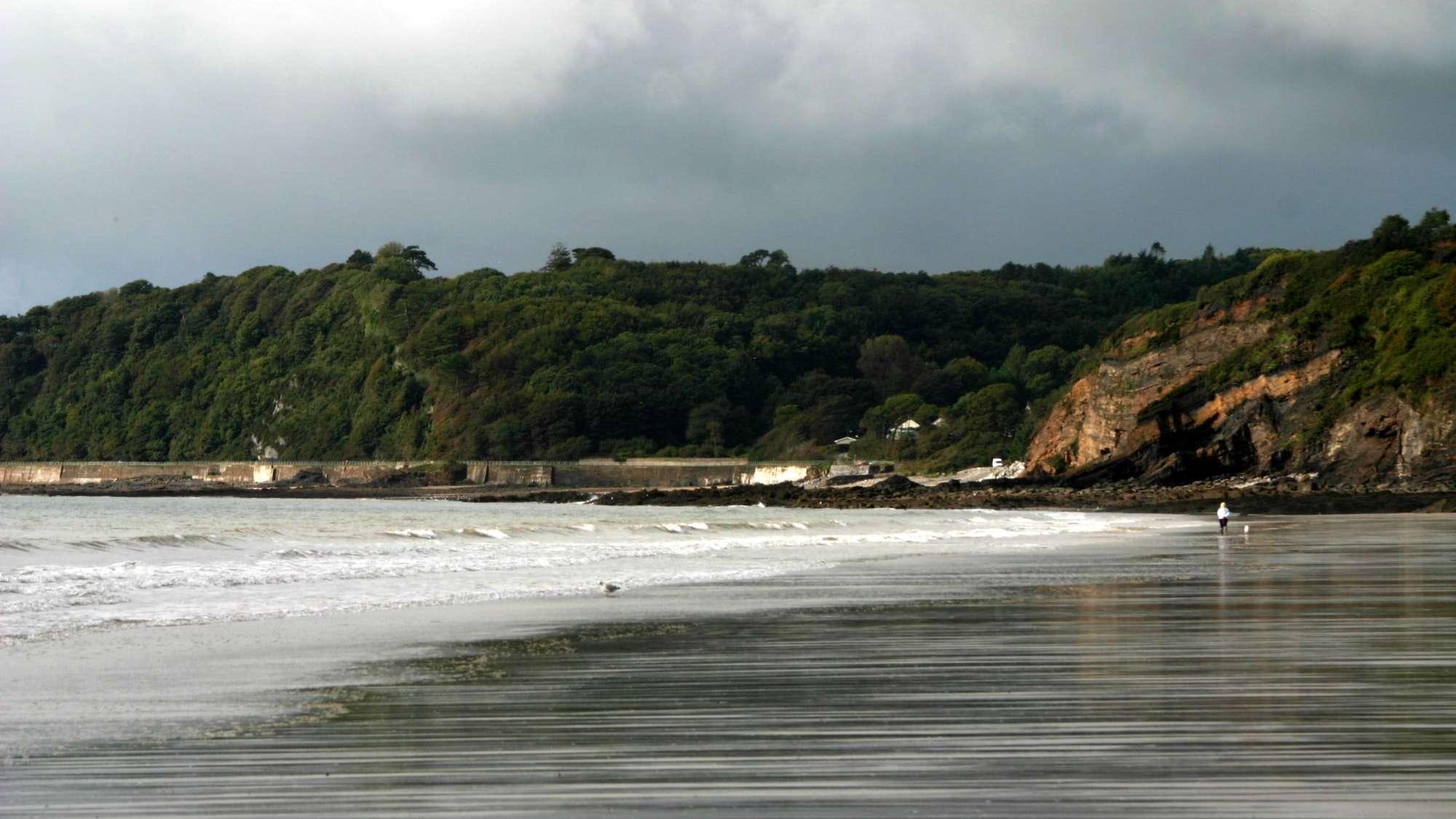 Image of shoreline at Amroth, Cardigan Bay, Wales