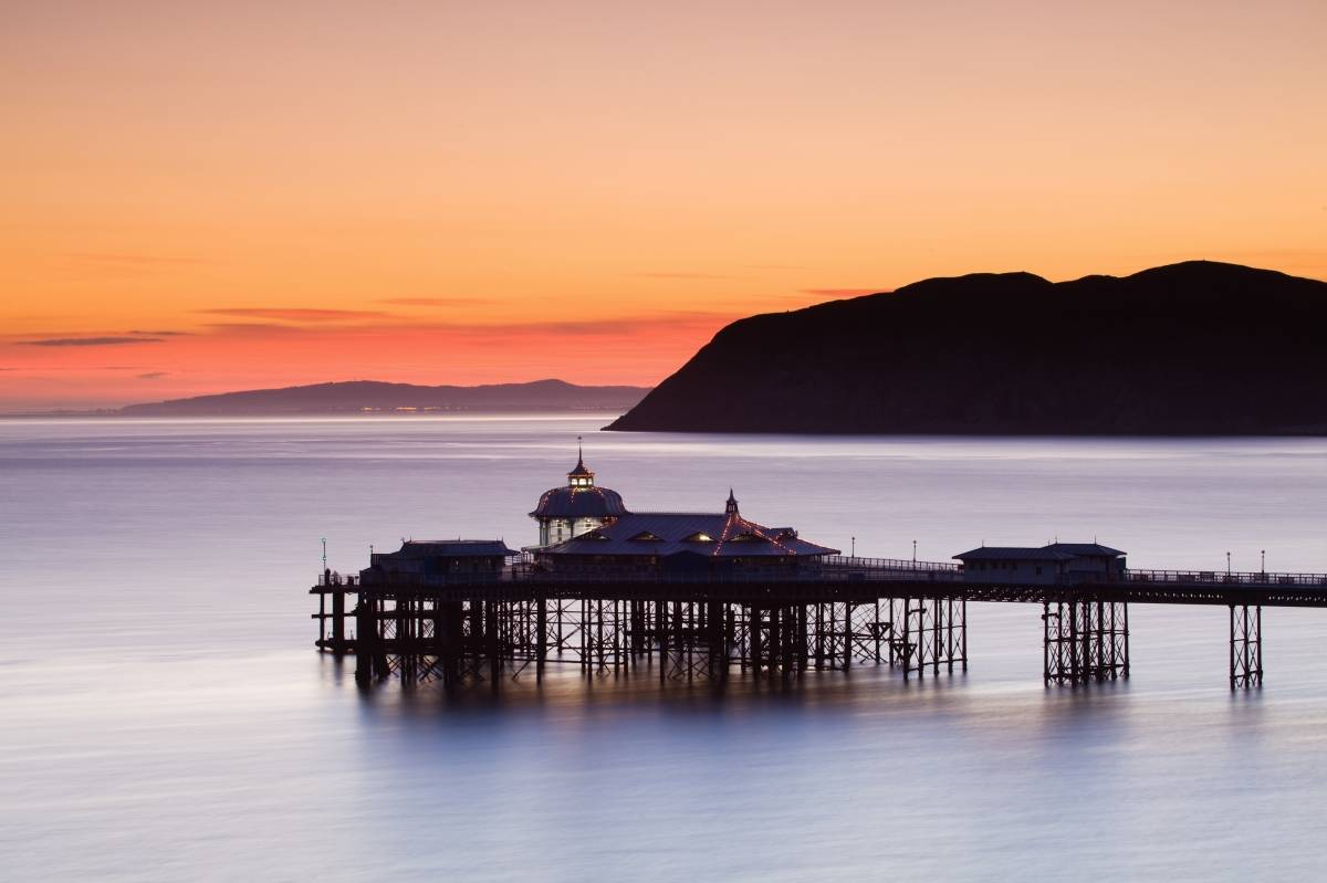Llandudno Pier Night Holiday Gallery