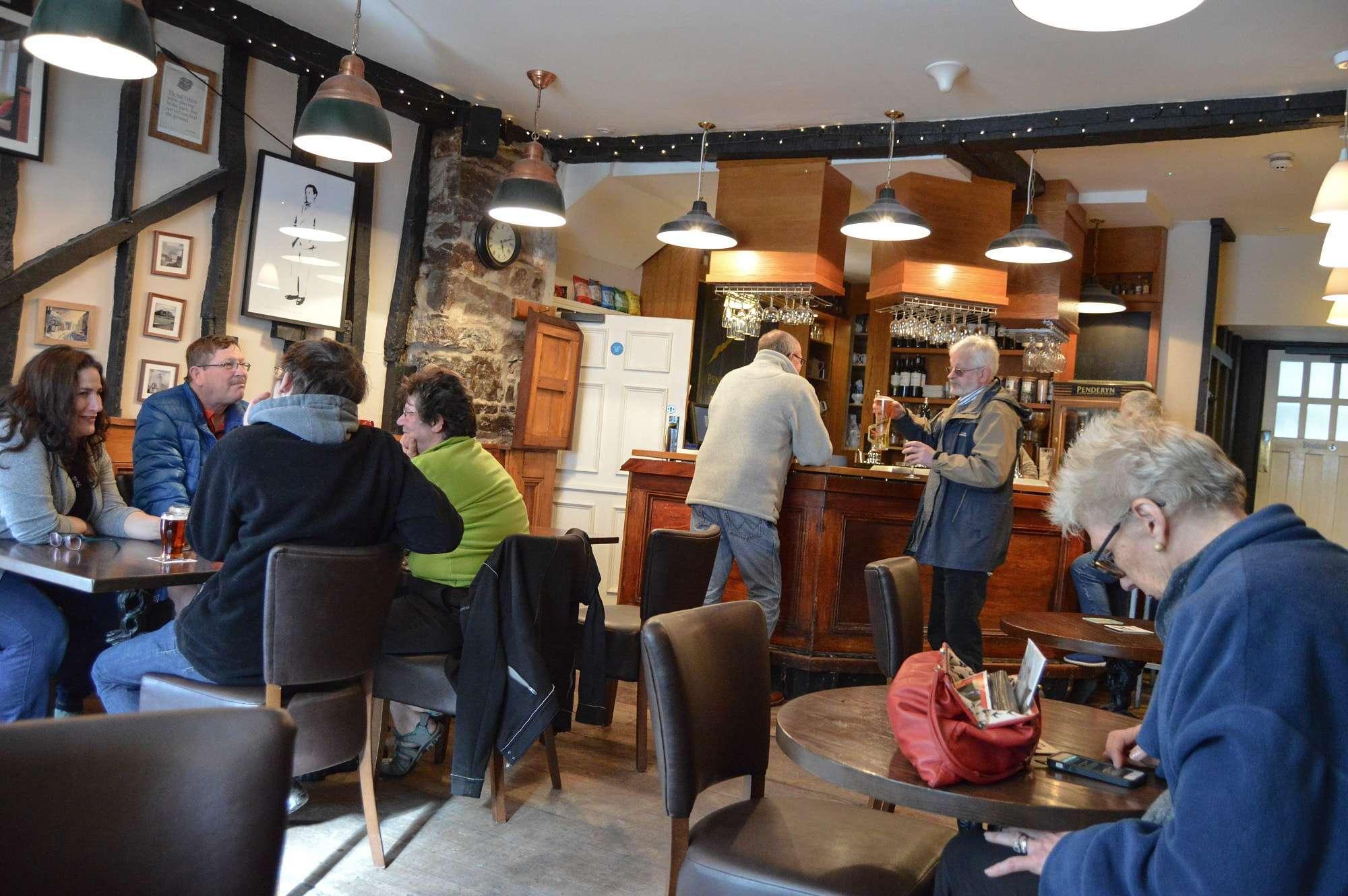 Browns Pub