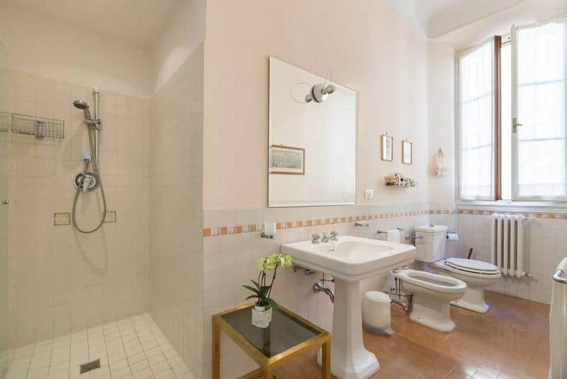 Bathroom Via Francigena