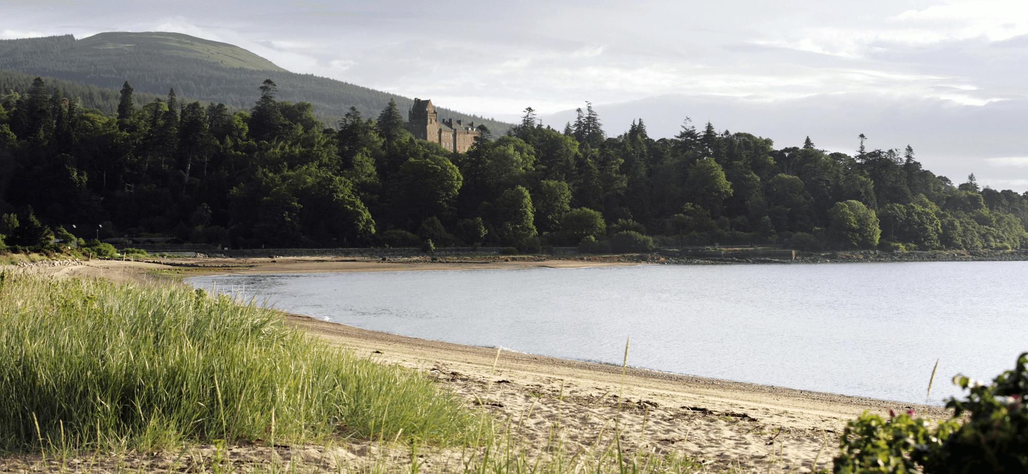 Brodick-beach-with-view-towards-brodick-castle-isle-arran