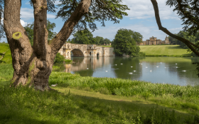Thames Path Walking Holidays - Hampton Court