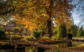 Walk the Cotswolds Round in autumn