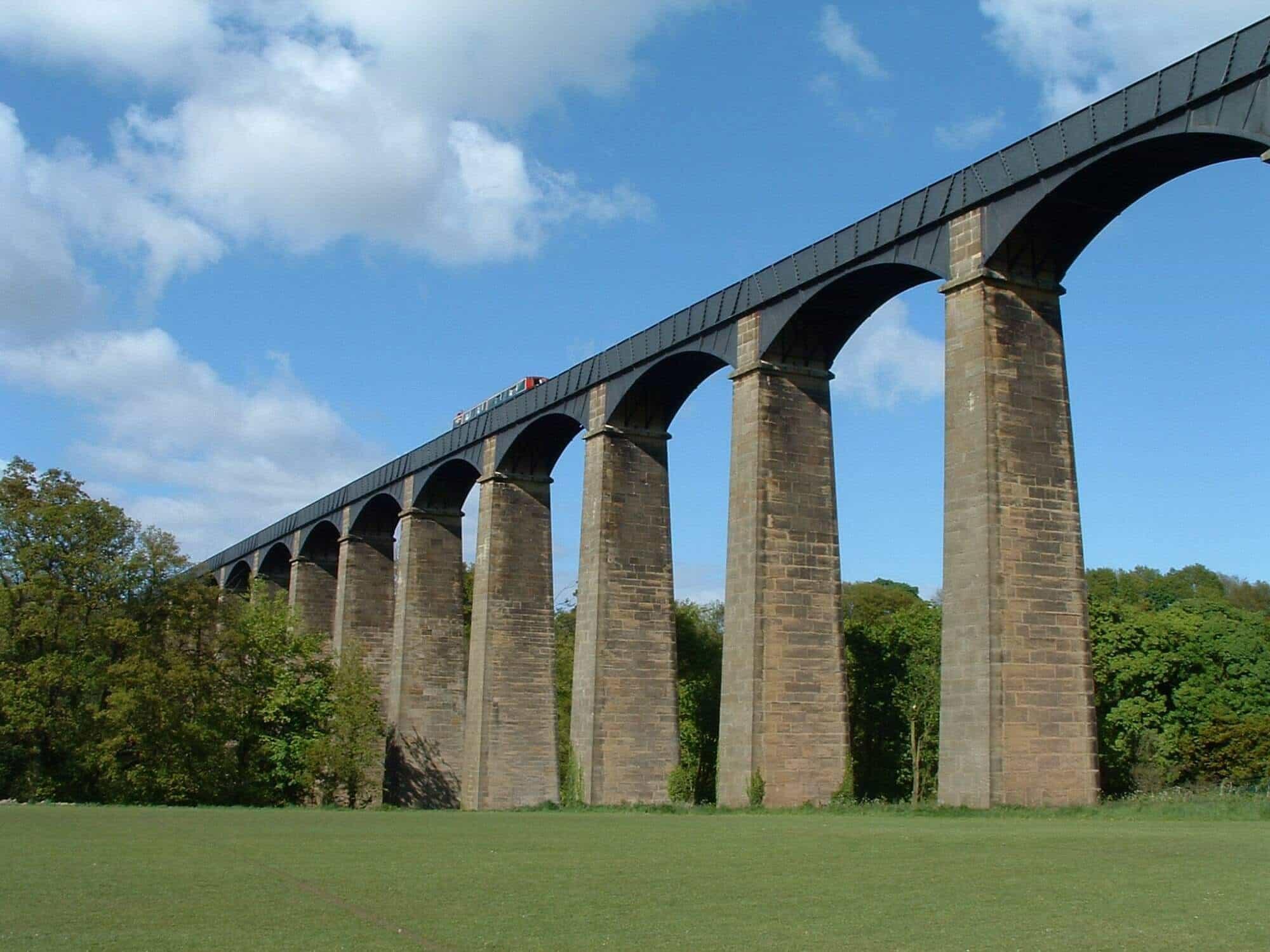 Portcysyllte Aquaduct Walking Holidays Offa's Dyke Path