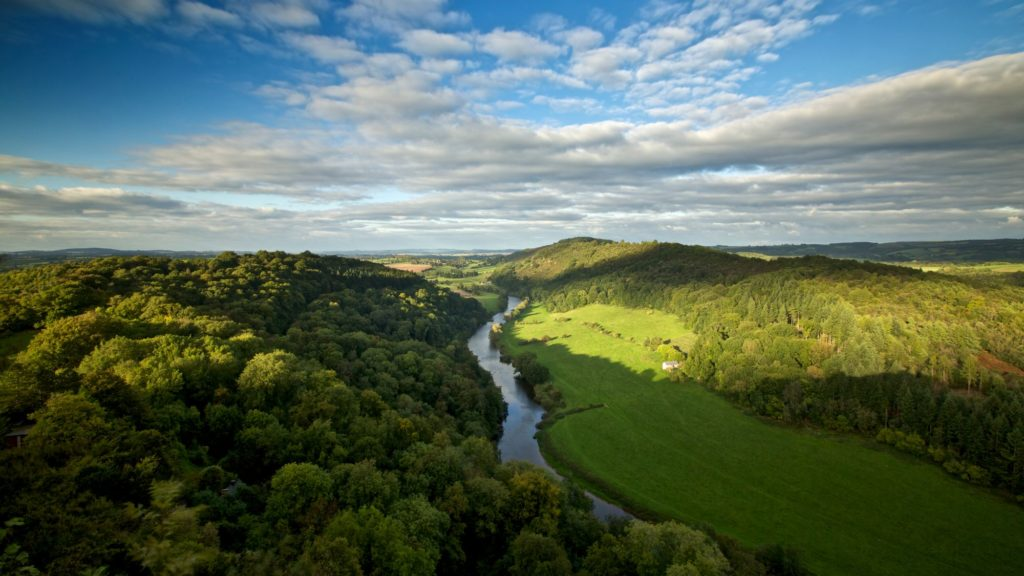 View of the Wye valley from Yat rock at Symonds Yat