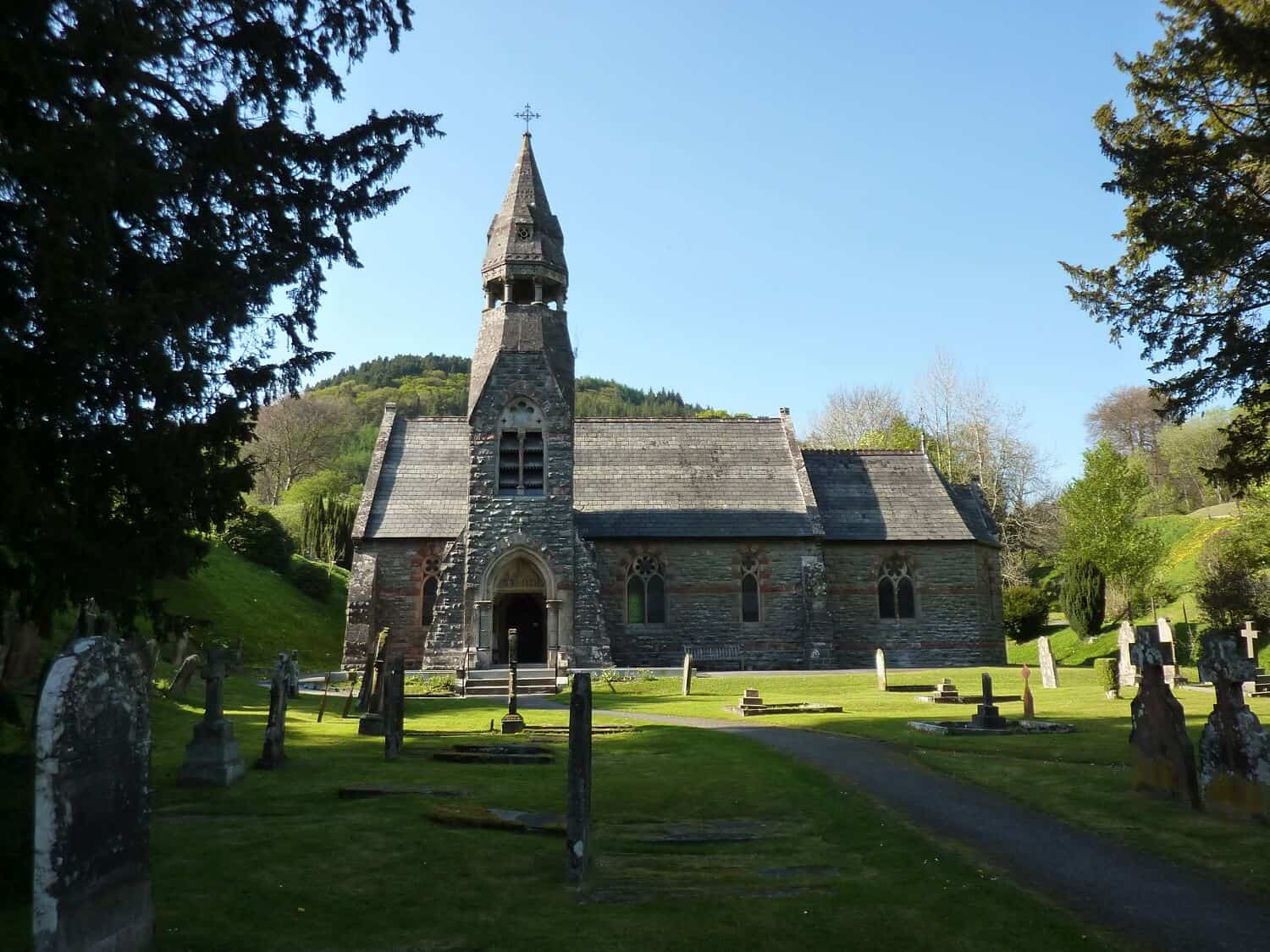 The_church_at_Abbeycwmhir_Clyndw