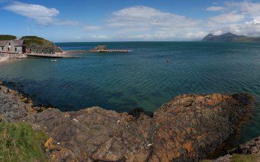 Walking holidays Llyn coastal path